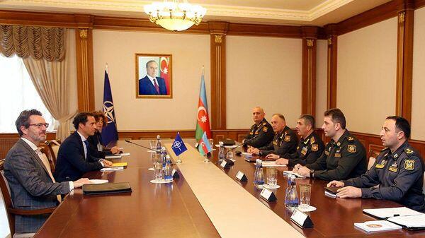Закир Гасанов встретился со спецпредставителем НАТО - Sputnik Азербайджан