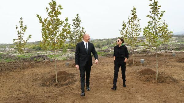 Президент Ильхам Алиев и Первая леди Мехрибан Алиева  - Sputnik Azərbaycan
