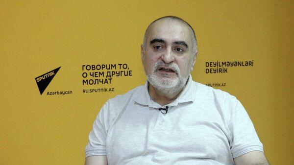 Бумага еще жива. Азербайджанцы стали больше читать - эксперт - Sputnik Азербайджан