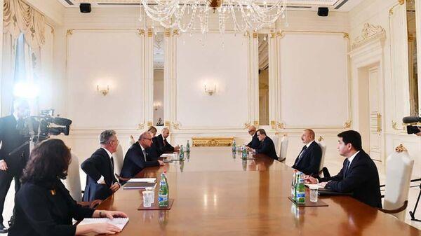 На встрече Президента Азербайджанской Республики Ильхама Алиева и министра иностранных и европейских дел Хорватии Гордана Грлич-Радмана - Sputnik Азербайджан