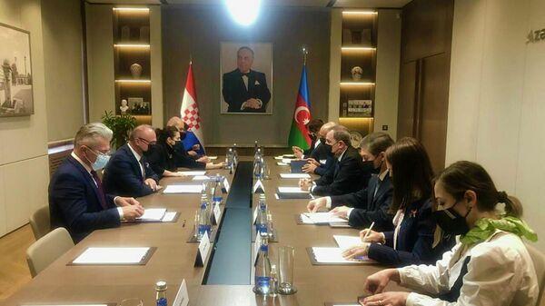 Встреча министров иностранных дел Азербайджана Джейхуна Байрамова и Хорватии Гордана Грлич-Радмана - Sputnik Азербайджан
