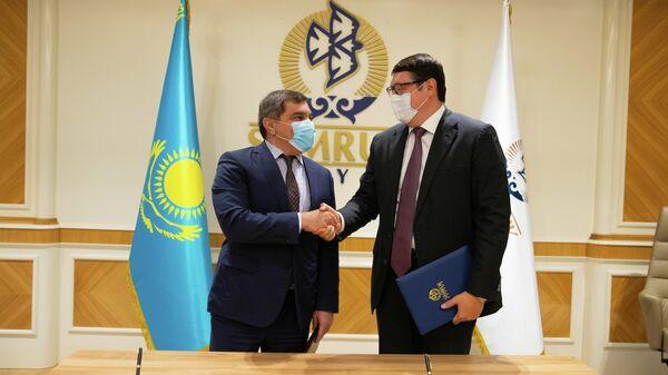 Встреча между представителяями Азербайджанского инвестиционного холдинга и фонда благосостояния Казахстана Самрук-Казына  - Sputnik Азербайджан