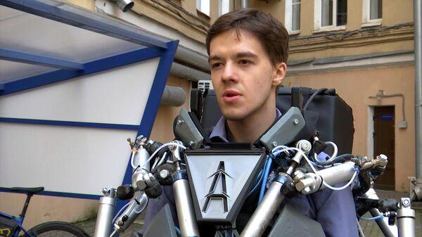 Роботы уже близко: студенты ИТМО создали экзоскелет - Sputnik Азербайджан