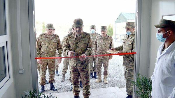 Министр обороны Закир Гасанов на открытии новопостроенных объектов военного назначения в освобожденных районах - Sputnik Азербайджан
