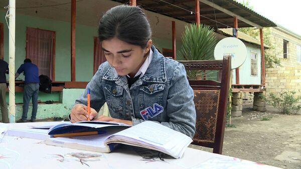 Не хочу, чтобы папа умирал: 14-летняя жительница Зардаба борется за жизнь отца - Sputnik Азербайджан