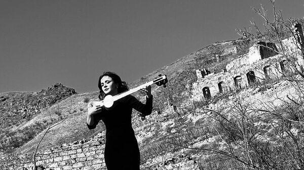 Азербайджанская исполнительница на таре Хумай Гадимова  - Sputnik Азербайджан