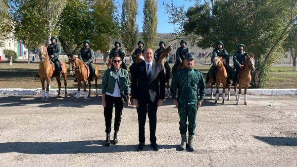 Ильхам Алиев и Мехрибан Алиева посетили освобожденный Губадлы - Sputnik Азербайджан