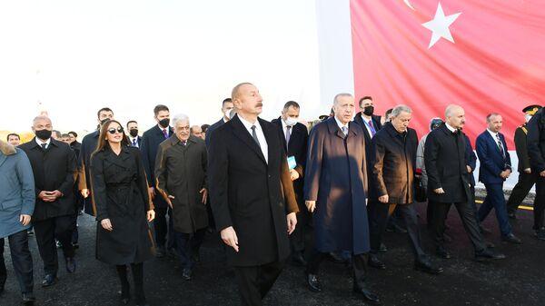 Президенты Азербайджана и Турции ознакомились с работами, проводимыми в рамках проекта «Умное село» в Зангилане - Sputnik Азербайджан