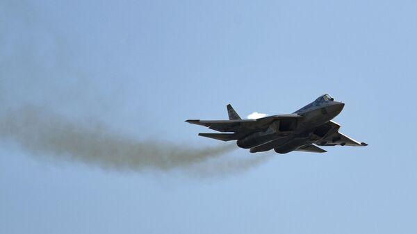 Многофункциональный истребитель пятого поколения Су-57  - Sputnik Азербайджан