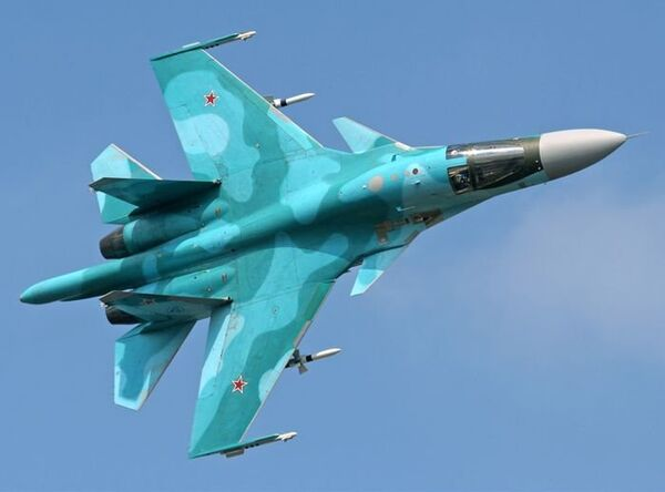 Самолет Су-34 - Sputnik Азербайджан