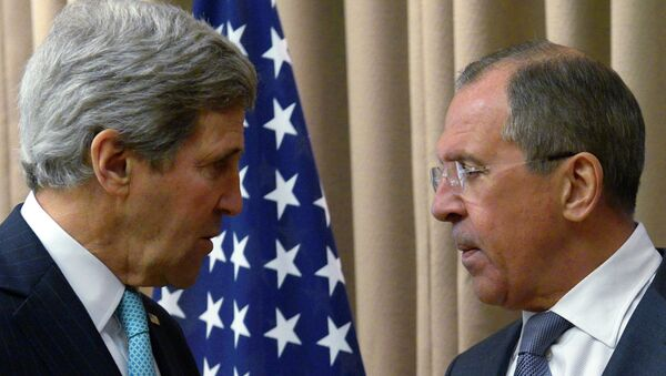 US Secretary of State John Kerry told Russian Foreign Minister Sergei Lavrov to ignore US President Barack Obama's statement when the president listed Russia as one of the main threats to the world on par with terrorism and the Ebola virus. - Sputnik Азербайджан