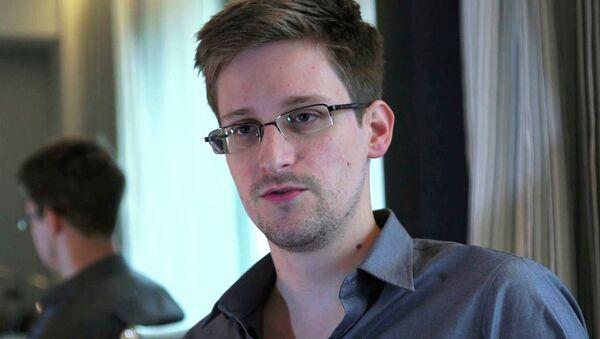 Edward Snowden - Sputnik Азербайджан