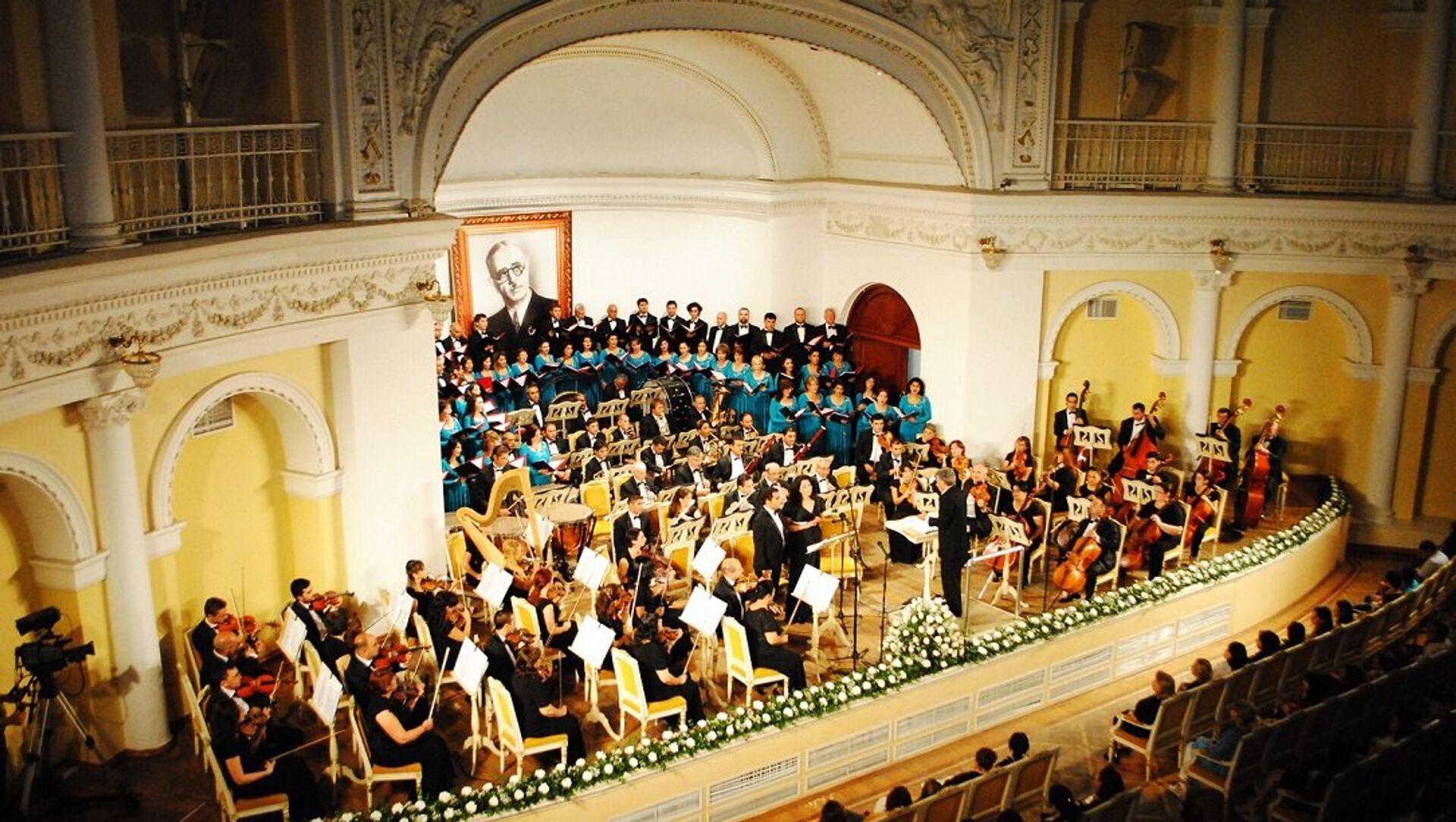 Азербайджанский государственный симфонический оркестр имени Узеира Гаджибейли - Sputnik Azərbaycan, 1920, 03.09.2021
