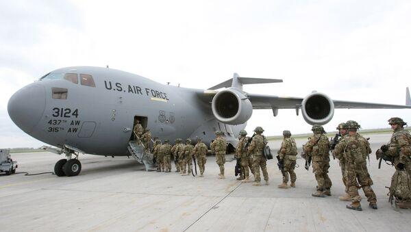 Центр транзитных перевозок ВВС США на базе Манас - Sputnik Азербайджан