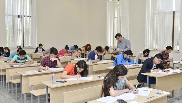 В Азербайджане проходят вступительные экзамены в военные лицеи - Sputnik Азербайджан