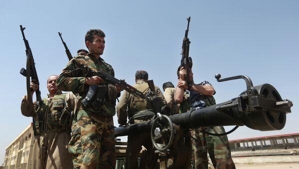 Kurdish peshmerga fighters - Sputnik Азербайджан
