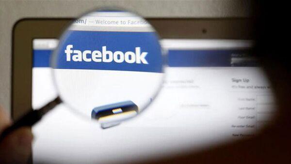 опасные тесты в Facebook - Sputnik Azərbaycan