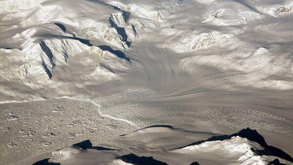 Ледники и горы в Западной Антарктиде - Sputnik Azərbaycan