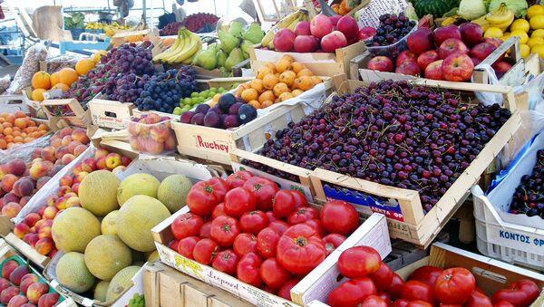 Greek fruit and vegetables market - Sputnik Azərbaycan