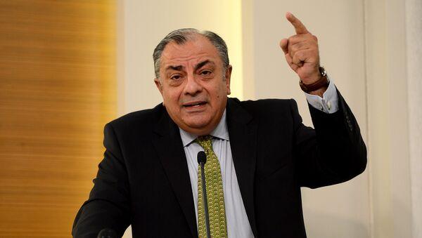 Toğrul Türkeş - MHP-nin liderlərindən biri - Sputnik Azərbaycan