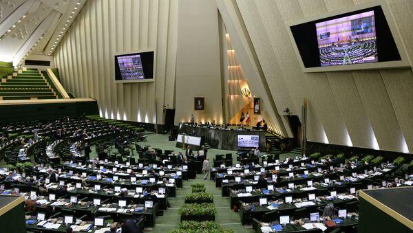 The assembly hall of the Iranian Parliament (the Islamic Consultative Assembly - Majlis) in Tehran - Sputnik Azərbaycan