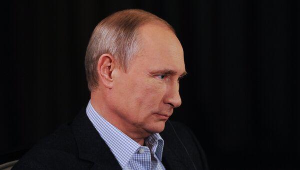 Vladimir Putin during an interview to ARD TV channel - Sputnik Азербайджан
