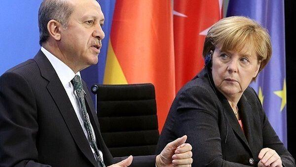 Президент Турции Реджеп Тайип Эрдоган и канцлер Германии Ангела Меркель - Sputnik Азербайджан