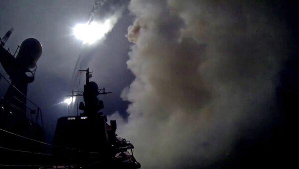 Корабли Каспийской флотилии выполнили пуски крылатых ракет по позициям боевиков ИГ в Сирии - Sputnik Азербайджан
