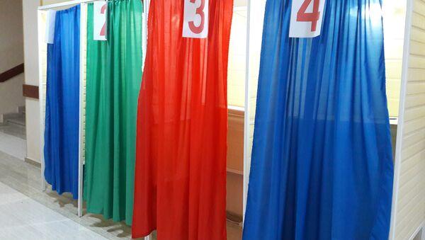 Кабины для голосования. Архивное фото - Sputnik Азербайджан