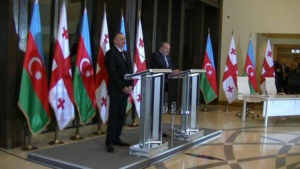 Ильхам Алиев прибыл в Грузию с официальным визитом - Sputnik Азербайджан