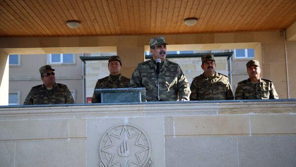 Министр обороны АР Закир Гасанов на мероприятии в честь Дня Государственного флага - Sputnik Азербайджан