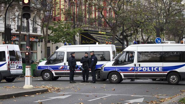 Ситуация в Париже после серии терактов - Sputnik Азербайджан