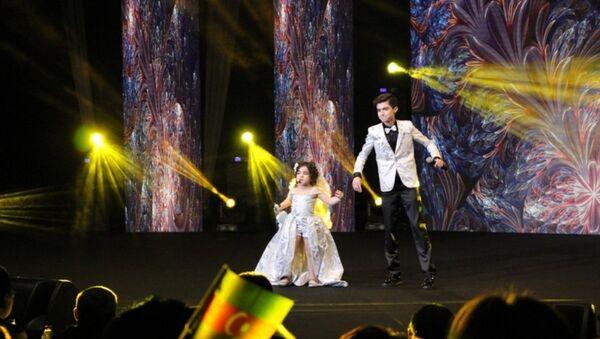 Выступление азербайджанского дуэта на конкурсе - Sputnik Azərbaycan