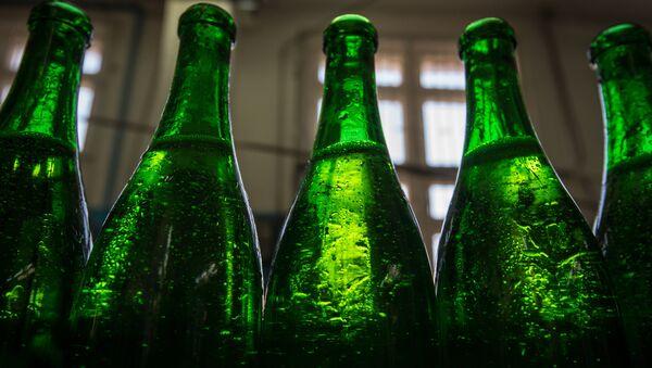 Производство алкогольной продукции. Архивное фото - Sputnik Азербайджан