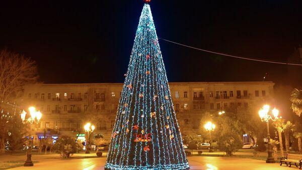 Новогодняя елка в Баку, архивное фото - Sputnik Азербайджан
