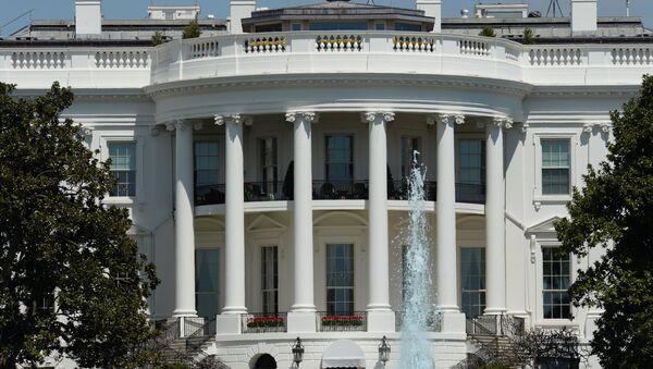 Официальная резиденция президента США - Белый дом в Вашингтоне (округ Колумбия). Архивное фото - Sputnik Азербайджан