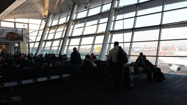 Международный аэропорт имени Ататюрка. Архивное фото - Sputnik Азербайджан