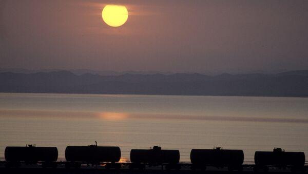 Транспортировка нефти. Архивное фото - Sputnik Азербайджан