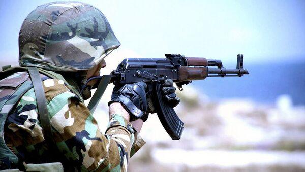 Военнослужащий Азербайджан армии. Архивное фото - Sputnik Azərbaycan