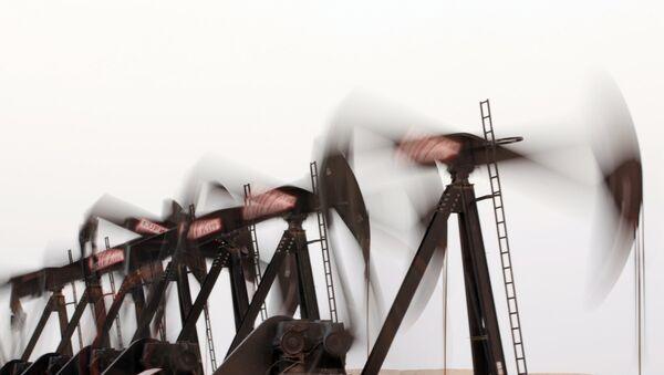 Нефтяные насосы. Архивное фото - Sputnik Азербайджан