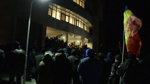 Протесты в Кишиневе: митингующие в здании парламента и нападение на политика - Sputnik Азербайджан