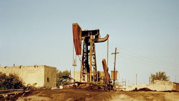 Нефтяные насосы в Сураханы - Sputnik Азербайджан