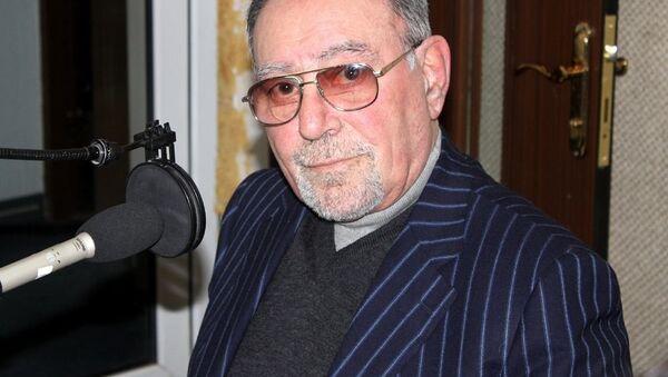 Октай Ахвердиев, заслуженный экономист Азербайджана - Sputnik Азербайджан