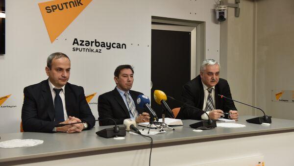Пресс-конференция в Международном пресс-центре Sputnik на тему Что даст Азербайджану пересмотр бюджета на 2016 год? - Sputnik Азербайджан