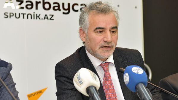Маис Гюльалиев, ведущий научный сотрудник Института экономики НАНА - Sputnik Азербайджан