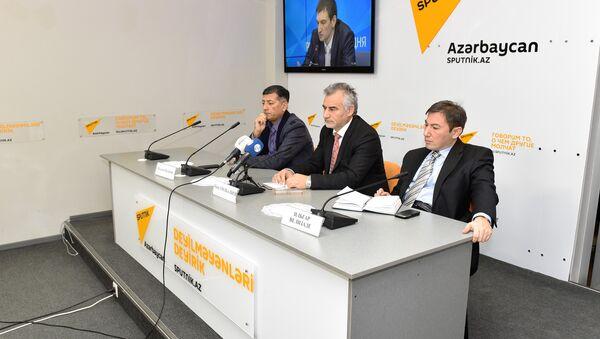 Азербайджанские экономические аналитики на видеомосте Москва – Астана – Баку - Sputnik Азербайджан