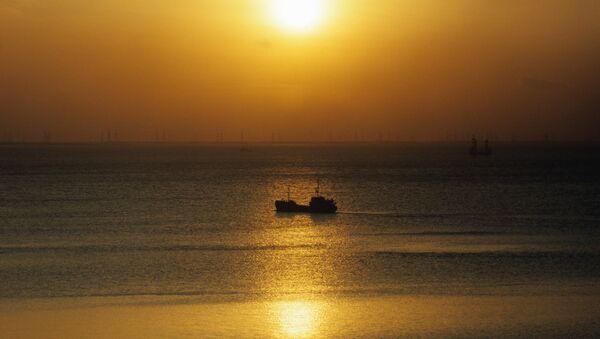 Закат на Каспийском море, фото из архива - Sputnik Азербайджан