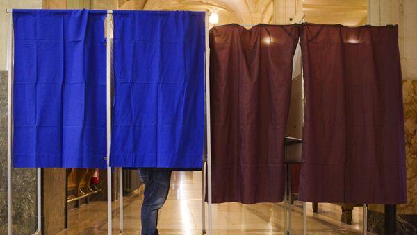 Выборы. Кабинки для голосования - Sputnik Азербайджан