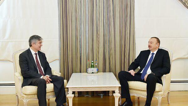 Президент Ильхам Алиев принял генсека ОЭС Халила Ибрагима Акчу - Sputnik Азербайджан