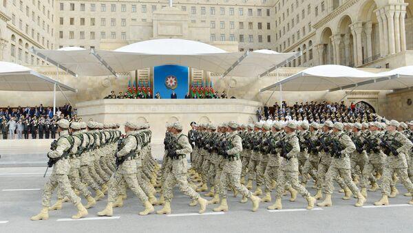 Военнослужащие Азербайджана на военном параде в Баку - Sputnik Азербайджан